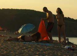 Дидо от Д2 натиска гола мацка на плажа