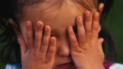 Изрод изнасилил 7 - годишната си братовчедка, лепнал й сифилис