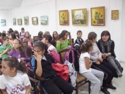 Историческият музей срещна ученици с писателката Бета Наур