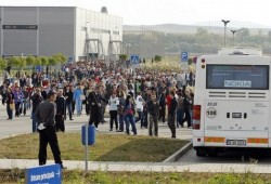 Nokia дава телефони на съкратените румънци