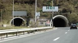 """В тунел на автомагистрала """"Хемус"""" са катастрофирали над десет автомобила"""
