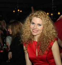 Деси Банова ще се омъжва догодина