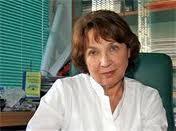 Акад. Петя Василева оперира безплатно пенсионери с перде на окото