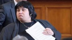 Фидосова към ДПС: Злобеете, защото нямаше изборен туризъм