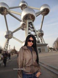 Ани Хоанг и Люси на романтичен тур в Брюксел