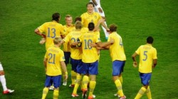 Евро 2012: Шведите оскубаха петела за сбогом