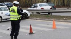 Бивш кмет отнесе съдебна охранителка на пешеходна пътека