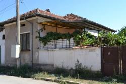 Крадци опустошиха къща в Новачене