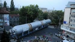 Металното чудовище потроши тротоари в Бургас (снимки)