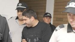 Полицаят убиец парадирал непрекъснато със служебното си положение