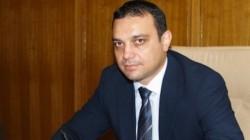 Транспортният министър счупи ръка в катастрофа
