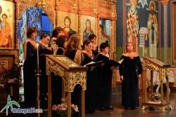 """Църковни песнопения огласиха храма """"Успение на Пресвета Богородица"""""""