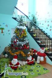 """Деца от Литаково донесоха радост  в дом """"Надежда"""""""