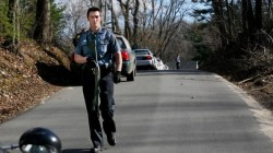 Шофьор блъсна жена с дете и избяга