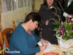 """""""Клада от страст"""" е озаглавена първата стихосбирка на Царинка Божилова"""