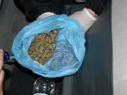 Антимафиоти и полицаи иззеха наркотици при проверка на правчанин край Червен бряг