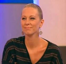 Нана създава фондация за жени с рак на гърдата