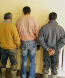 Трима рецидивисти бяха задържани за кражба на кабел