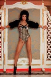 Емануела се отказва от музикалната си кариера