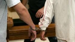 Криминално проявени са задържани за кражба