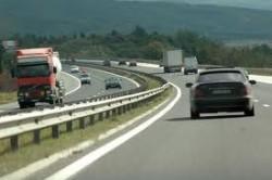 """Временно ще бъде затруднено движението в крайна дясна лента на автомагистрала """"Хемус"""""""