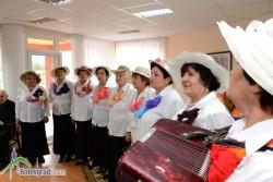 """Група """"Пей, сърце"""" изнесе концерт в Дома за възрастни хора"""