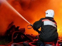 Жена пострада при пожар в Етрополе