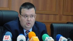 Цацаров поиска имунитета на Волен Сидеров