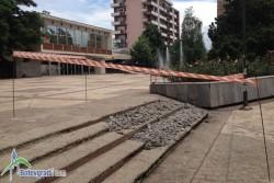 Започна ремонт на оронените стълби между часовниковата кула и общината