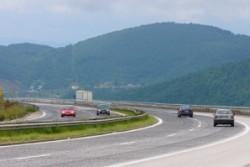 АПИ: Ограничава се движението на тежки камиони по магистралите