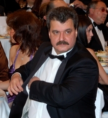 """Батков и Цветан Василев съвсем заплетоха казуса с """"Левски"""""""