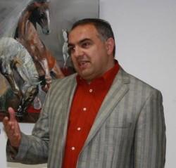 Димитър Евстатиев открива изложба на рождения си ден