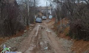 Граждани питат: Кога ще бъдат асфалтирани улиците от Карамбата до сливите в Зелин?