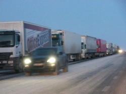 """ТИР-ове се спират  на ПИК-а, докато трае снегопочистването на автомагистрала """"Хемус"""""""