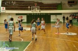12-годишните момичета на Балкан победиха двата тима на Рилски спортист