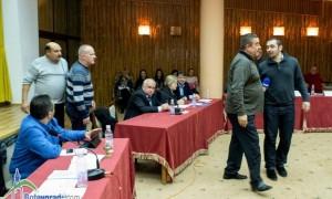 Отново скандали и полиция в Общинския съвет. Опозицията напусна заседанието (видео)