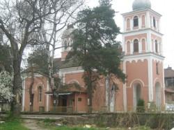 Отец Борис ще отслужи водосвет за здраве на ботевградчани, живеещи в чужбина