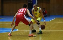 Левски нанесе първа загуба на Лукойл Академик