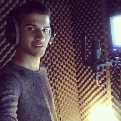 """""""Лято по две"""" – дебютната  песен на Тихомир Митов тръгва по радиостанциите"""