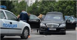 """Eкшън във Варна! Биячи налетяха с колове на """"Мерцедес"""""""