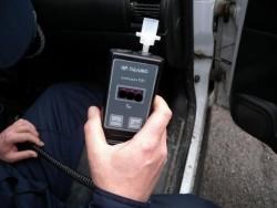 Полицаи от Правец задържаха 63-годишна шофьорка с 1.54 промила алкохол