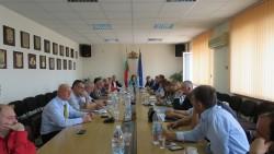 Кметовете на Софийска област поставиха проблемите на общините по отношение на пътищата, земеделието, горите и водния сектор