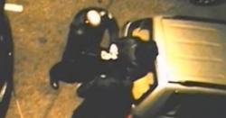 Разкриха полицаите, пребили момче и момиче в центъра на София