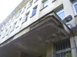Съветници изразиха несъгласие с предложението за намаляване на сумата за ремонт на покрива на поликлиниката
