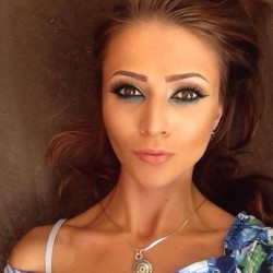 25-годишна ботевградчанка спечели конкурс на списание Cosmopolitan