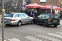 """Лека катастрофа на улица """"Цар Освободител"""" в Ботевград"""