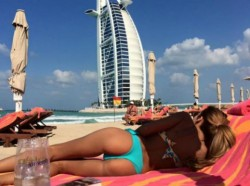 Моника Валериева показа дупе от Дубай