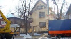 Запалиха колата на съпругата на пловдивския кмет Иван Тотев