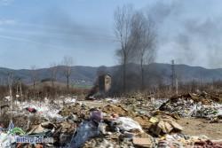 """В """"Север""""-а горят отпадъци от стиропор"""