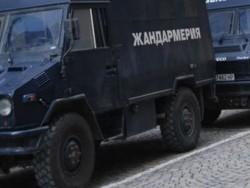 Извънредно: Жандармерия влезе в ромската махала на Ботевград след двойното убийство на братята Петрови
